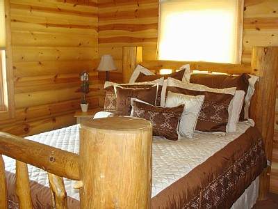 Payson cabin rental - Second bedroom Queen bed