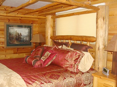 Payson cabin rental - Master bedroom with King bed